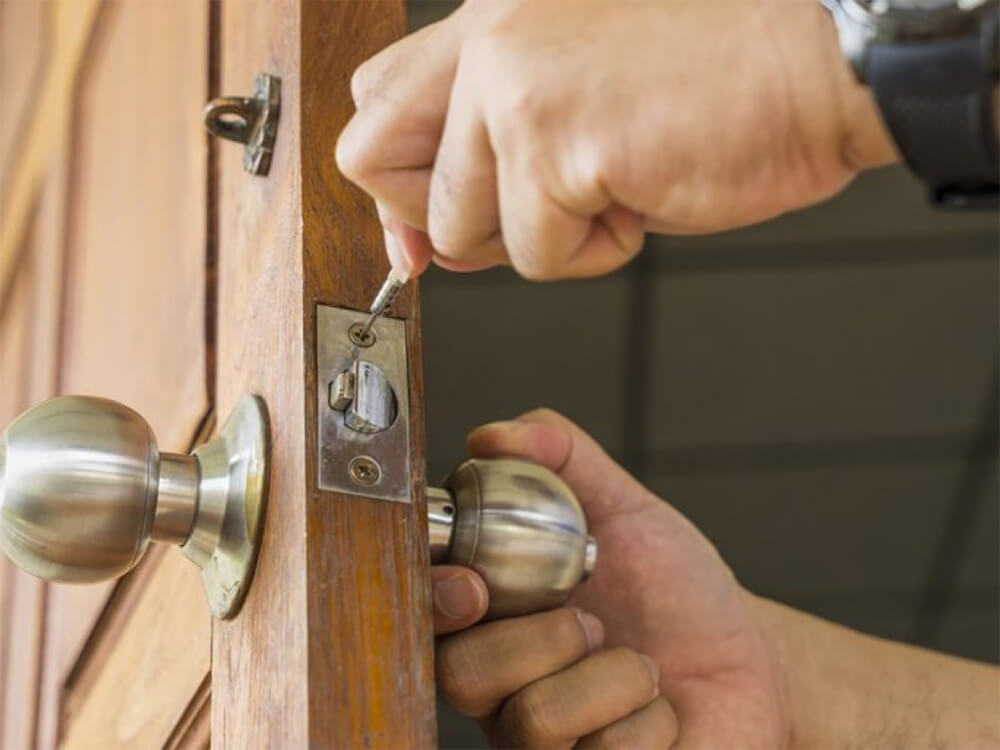Commercial-Locksmith-Nearby